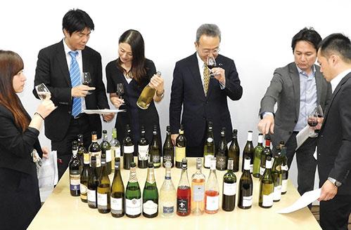 講座テーマに沿ったワイン3本(全9本)