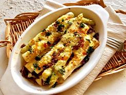 チーズとハーブが香るホワイトアスパラガスのオーブン焼き