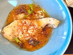 旬の白身魚のソテー 白ワインとトマトのソースで